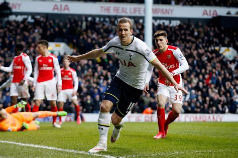 arsenal spurs harry kane in an arsenal shirt again a new picture