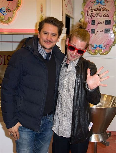 dlisted open post hosted by macaulay culkin and friend 12
