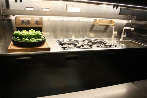 stainless steel countertops for hardworking