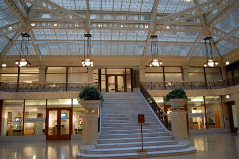 The Interior See by File Rookery Building Interior View Chicago Usa Jpg