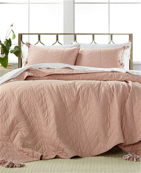 dusty rose bedding nadia dusty rose 3 pc full queen quilt set quilts