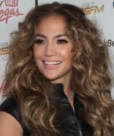 Jennifer Lopez Long Curly Casual Hairstyle   Light Brunette