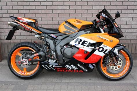 honda cbr 1000 rr fireblade honda cbr1000rr fireblade 2004 repsol colours in