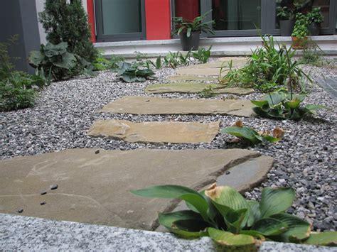 muretti in pietra per giardini muretti in pietra per aiuole pietre per muretti giardino