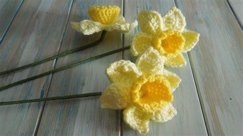pattern crochet daffodil crochet how to crochet a daffodil yarn scrap friday