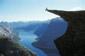 Trolls tongue norway trolltunga cliff fjord wallpaper