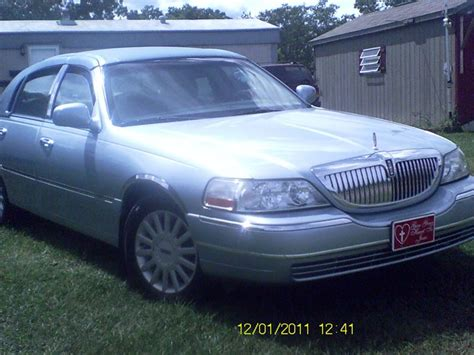 used lincoln town cars for sale by owner 2005 lincoln town car for sale by owner in artemas pa 17211