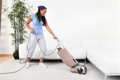 how to vacuum carpet your personal house cleaning home information guru com