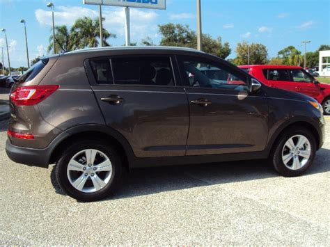 Kia Sportage Sand Track Kia Sportage 2013 Sand Track Lx Gasoline 4 Cylinders Front