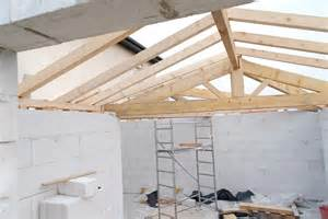 Pitched Roof Construction How To Build A Conventional Wood Pitched Roof Framing