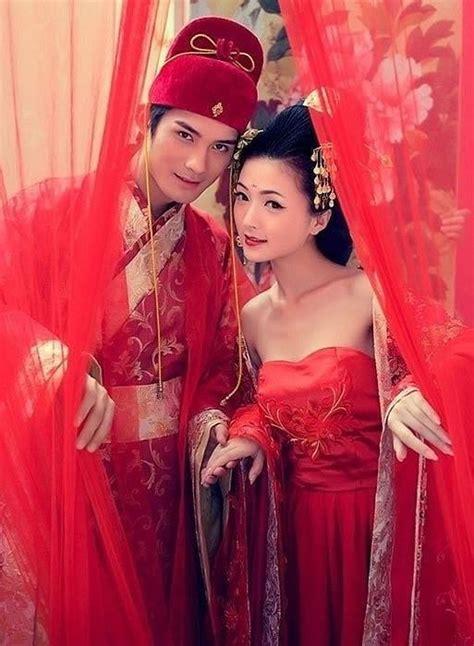 hochzeitskleid china traditionelle chinesische hochzeitskleider 2056907 weddbook