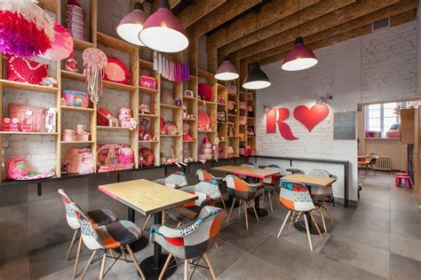 Rozove: The Most Pinky Café In Poznan
