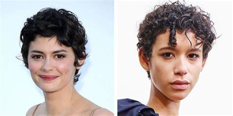 inspirasi model rambut keriting  wanita