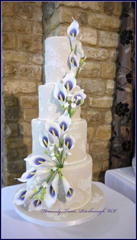 Best 25  Calla lily cake ideas on Pinterest