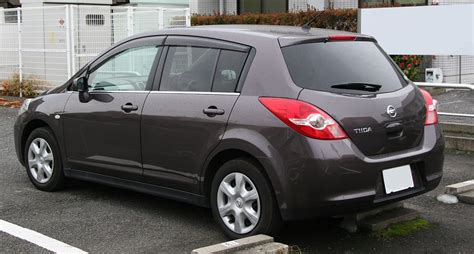 nissan tiida 2008 modified file 2008 nissan tiida rear jpg wikimedia commons