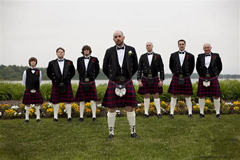 Wedding Attire In Ireland by Wedding Traditions And Superstitions Everafterguide