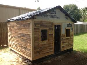 diy pallet house barn and playhouse plans 99 pallets