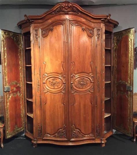 armoire antique a vendre achat et vente de meubles et objets anciens antiquit 233 s