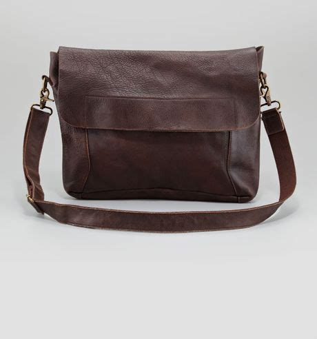 bed stu purses bed stu london leather messenger bag in brown dk brown