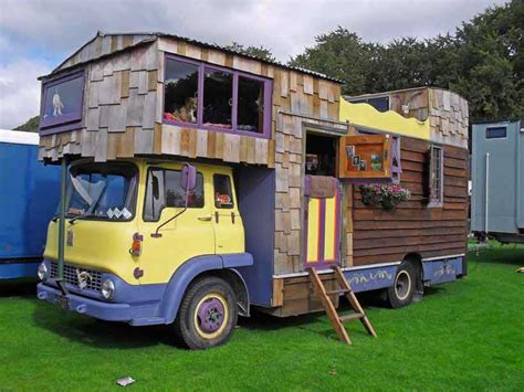 16 Types Of Tiny Mobile Homes   Which Nomadic Living Space Would You Choose?   Critical Cactus