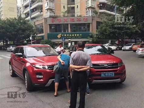 land wind vs land rover china s landwind x7 copycat crashes into range rover
