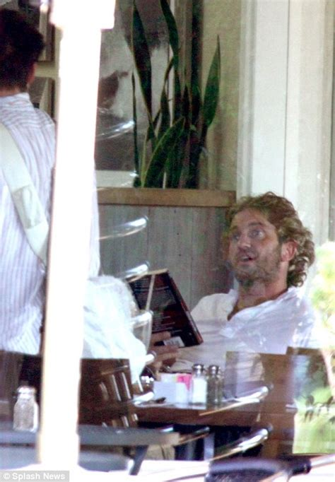 Web Addict Friday Afternoon Reads by Gerard Butler Looks A Picture Of Health As He Jogs After