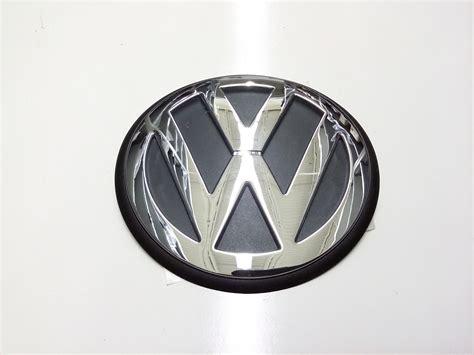 volkswagen beetle trunk in front 1999 volkswagen beetle hood emblem front chrome trim
