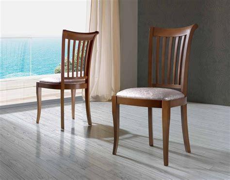 sillas de madera para comedor silla moderna de comedor en madera de haya y base tapizada
