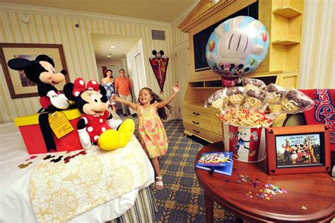 disney in room celebrations creating dreams that stretch your imagination at walt disney world resort 171 disney parks