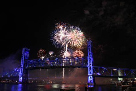 new year in jacksonville fl fireworks the bridge