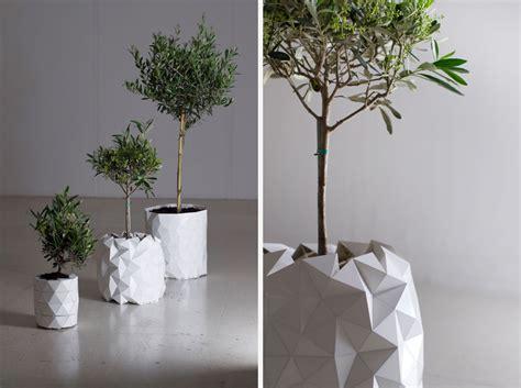 cool planters studio ayaskan s growth planter cool hunting