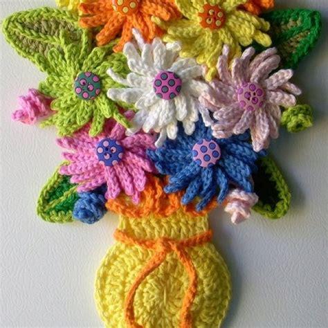 Crochet Flower Vase Pattern by 25 Best Ideas About Crochet Vase On Crochet