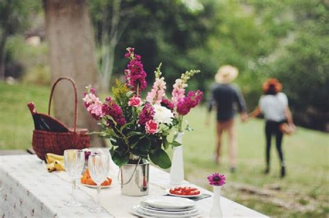 Dr Kevin Thistle Flower Coklat 11 ways to set up a killer luxury picnic from flower