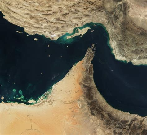 Overknee Strã Mpfe by Iran To Hold Air Drill Strait Of Hormuz The