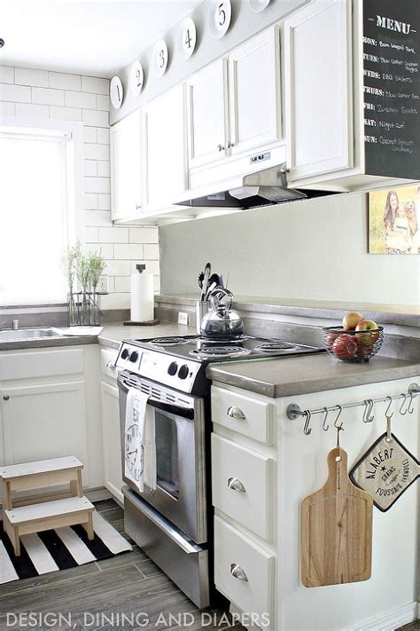 smaller kitchen makeovers 25 best ideas about small kitchen makeovers on pinterest