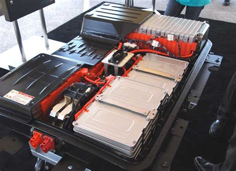 nissan leaf motor voltage nissan leaf battery capacity loss to be covered by new