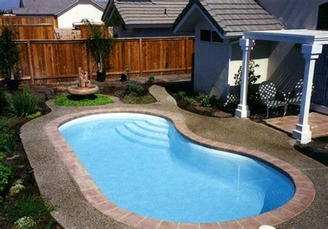 swimming pools for small spaces small kidney shaped swimming pool designs for small