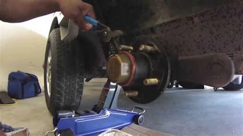 ranger boat trailer wheel hubs how to replace an oil bath hub youtube