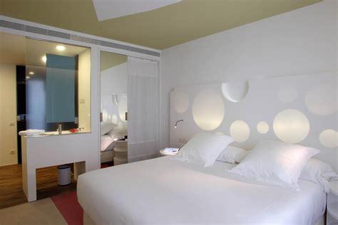 Room Mate Pau by Room Mate Pau Barcelona Informationen Und Buchungen
