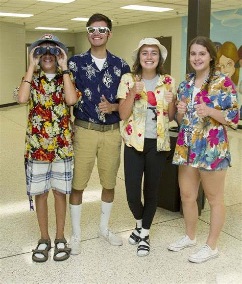 Are The Second Worst Dressed Tourists After The Americans Newsvine Fashion 2 2 by Getting In The Spirit Mhs Students And Teachers Dress As