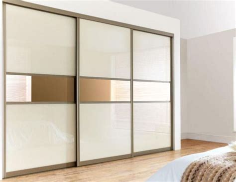 Wardrobe Doors Sliding by 17 Best Ideas About Sliding Wardrobe On Sliding Wardrobe Designs Sliding Wardrobe