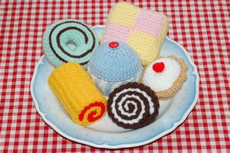 cake knitting patterns cake selection by bottletopboy crocheting pattern