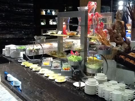 buffet setting for intercontinental shanghai puxi