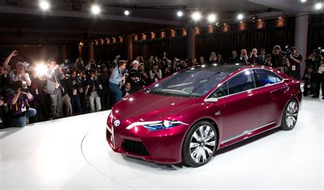 toyota makes 2015 toyota camry makes appearance at new york auto show