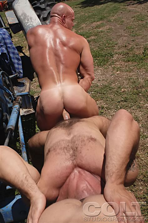 Luke Garrett Carlo Masi And Gage Weston Muscle Hunks In A Gay Thresome Scene At Suck A Boner