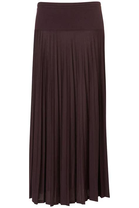 topshop high waist pleat maxi skirt in oxblood lyst
