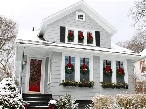 Pictures Of Homes Decorated For Outside by The 2 Seasons The Lifestyle