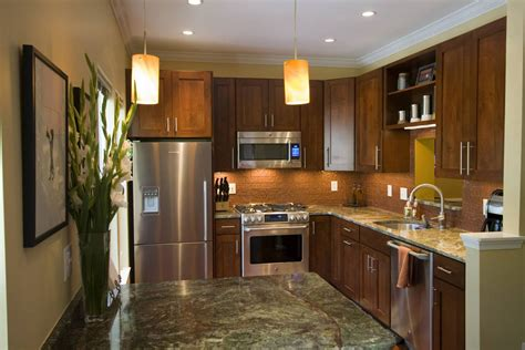 Kitchen Design Ideas And Photos For Small Kitchens And Kitchen And Bath Designs