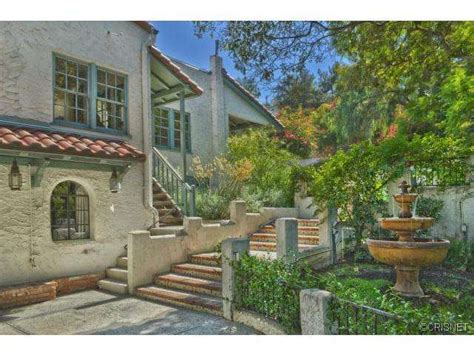 jared padalecki house supernatural star jared padalecki sells house in studio city realtor com 174