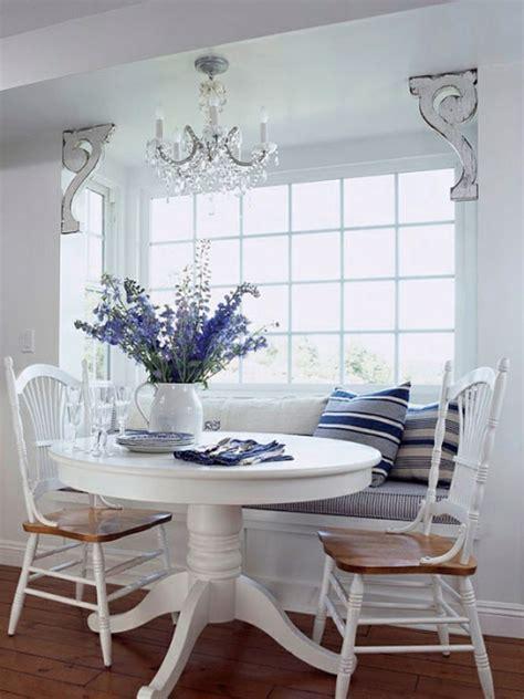 lila kronleuchter esstisch mit sitzbank